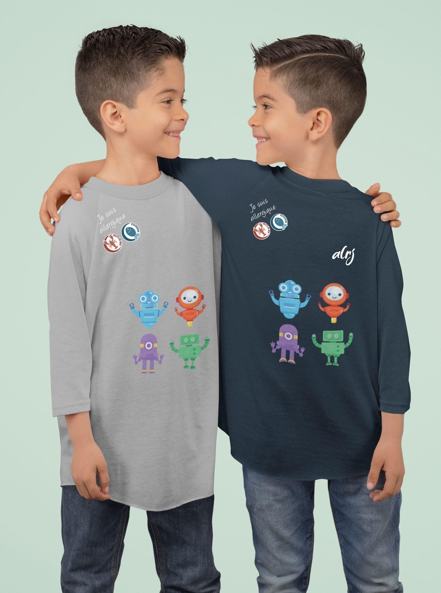 freres jumeaux allergiques portant des t-shirts alrj avec leurs allergies alimentaires