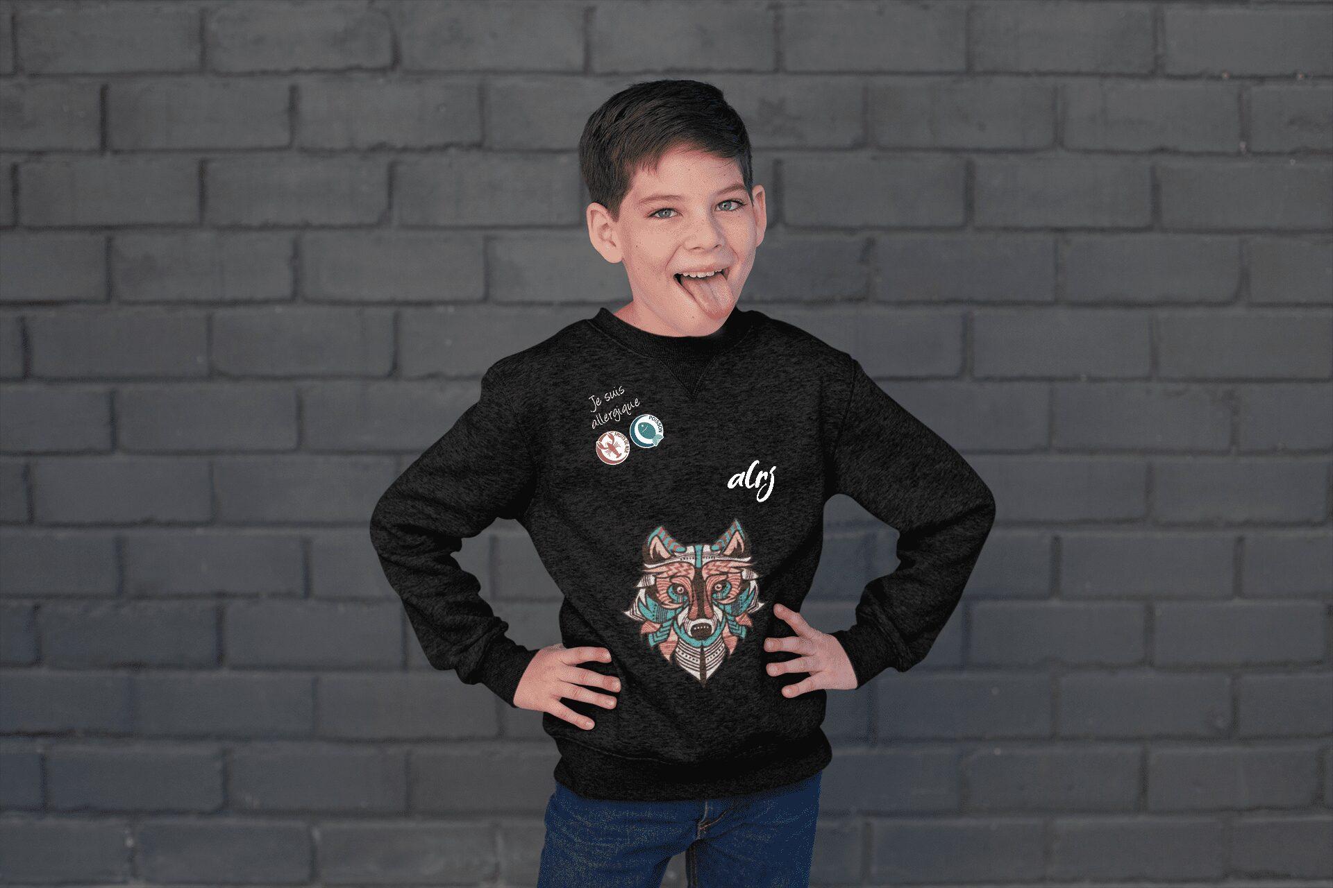 vêtement pour enfant ayant des allergies alimentaires avec un dessin de loup